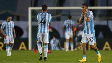 Pillud y Nery Domínguez se lamentan por el penal que erró Fértoli.