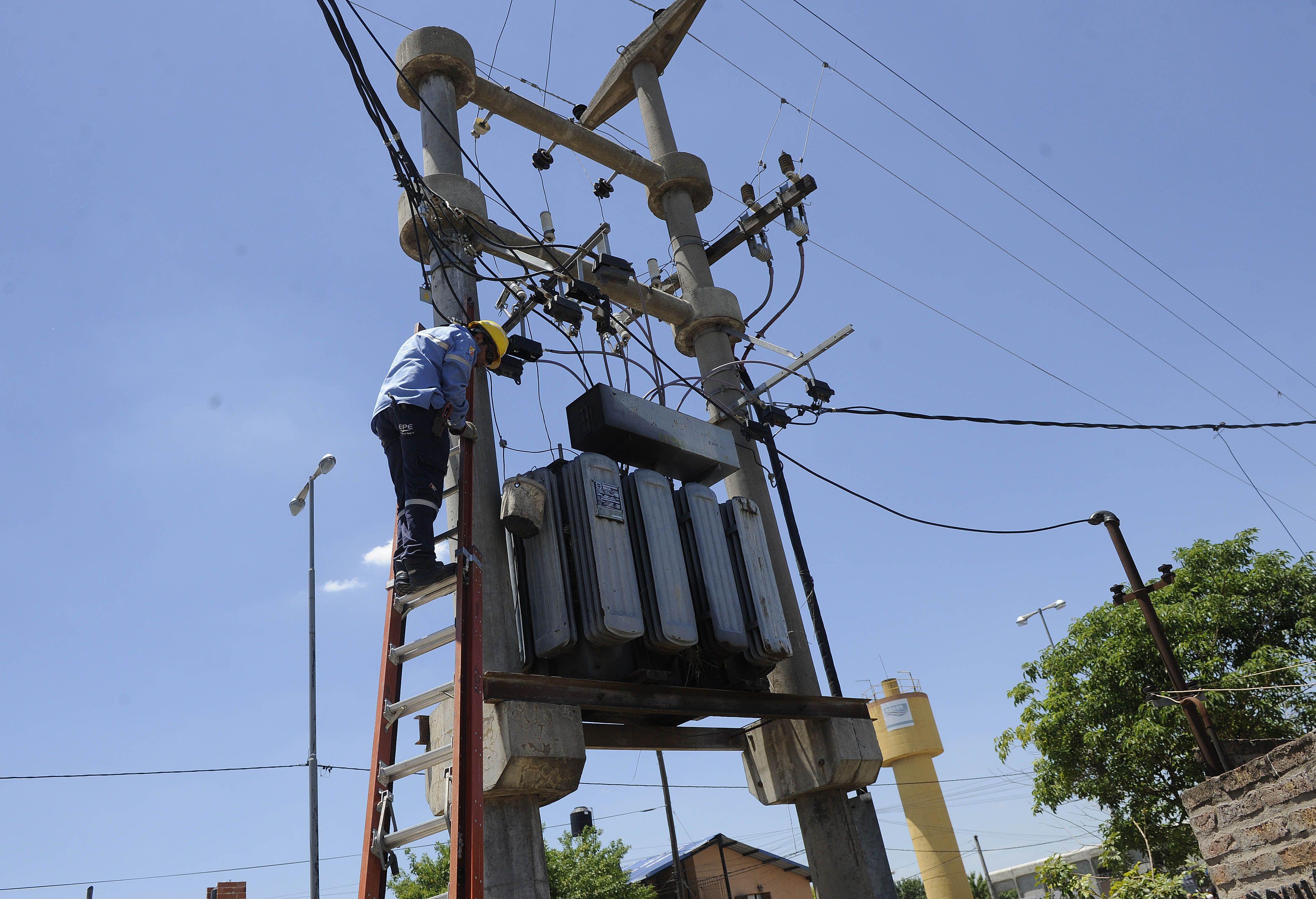 La EPE anunció cortes programados en el servicio. (Foto de archivo)