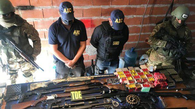 Descubren organización de policías que vendían armas poderosas en Rosario