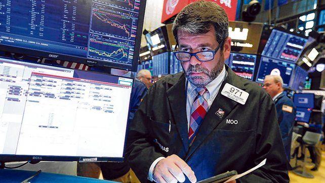 Alerta. Los principales indicadores de la Bolsa de Nueva York registraron su tercera caída consecutiva.