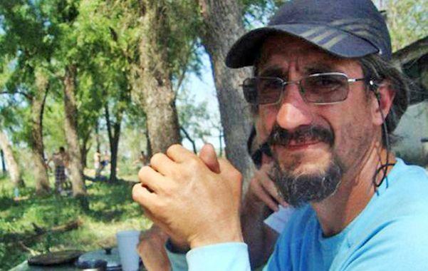 En la isla. Santos es isleño por consejo médico y tiene escuela de kayakismo.