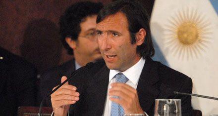 El gobierno se financiará en 2012 con fondos de organismos públicos