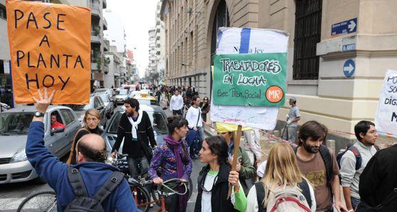 Sigue el acampe de los trabajadores de Promoción Social frente a la Municipalidad
