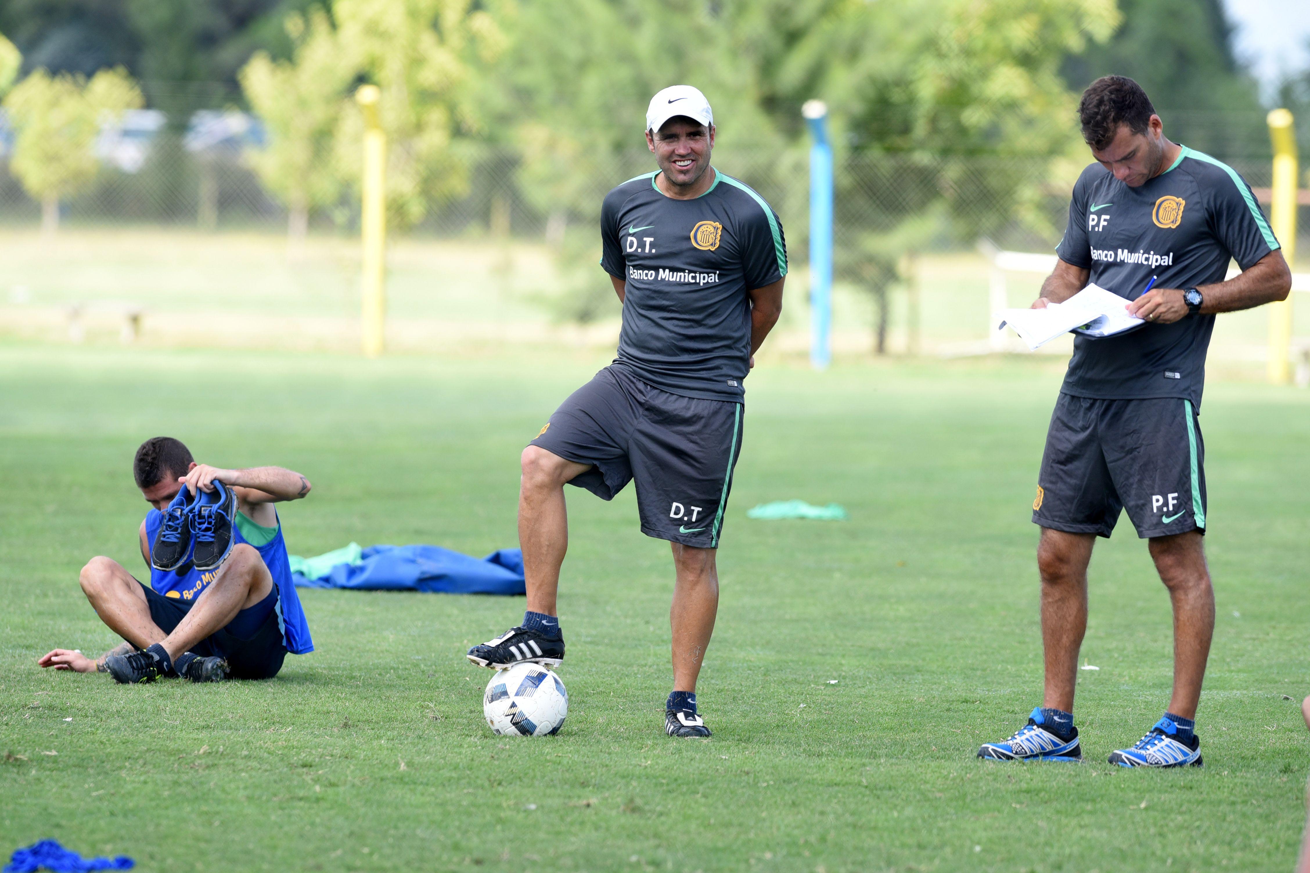 El Chacho Coudet incluyó varias sorpresas en Central para enfrentar a Palmeiras