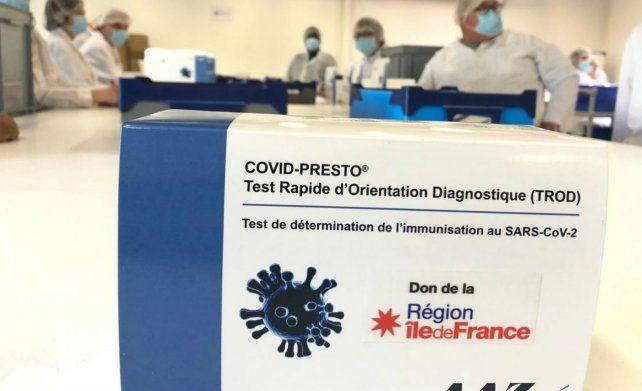 En Francia se hacen testeos de coronavirus con una gota de sangre