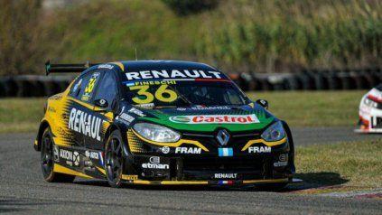 Con su Renault Fluence, Fineschi no le dio oportunidades a sus rivales y se escapó en la punta.