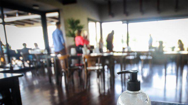 Los bares y restaurantes fueron los rubros más golpeados por la pandemia.