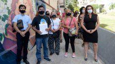 Edgardo Orellano junto a familiares, su abogado y la perito Virginia Creimer presentaron ayer el proyecto en el Concejo.