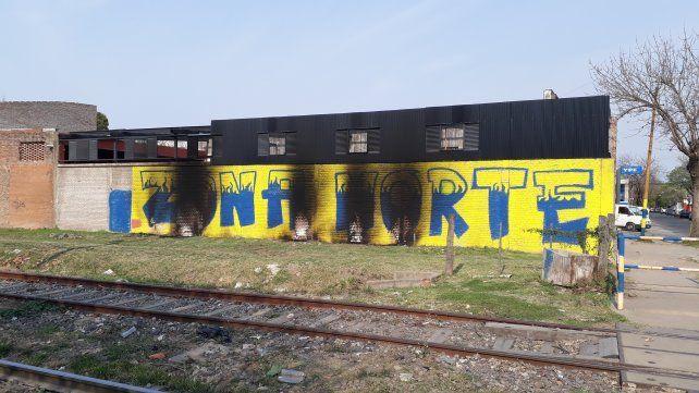 El muro canalla de Zona Norte