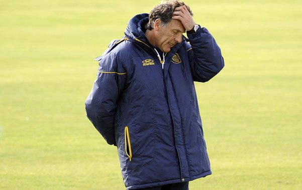 El entrenador Miguel Angel Russo necesita refuerzos.
