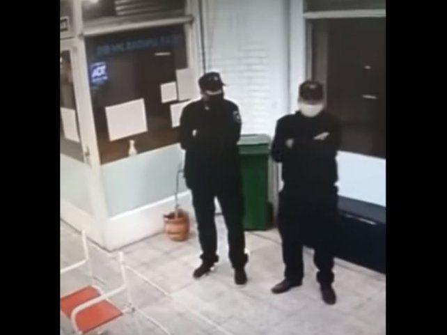 Vestidos de policías