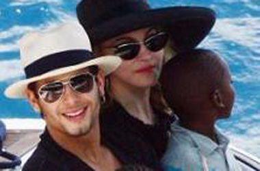 Madonna quiere tener un hijo con Jesús, su novio brasileño de 22 años