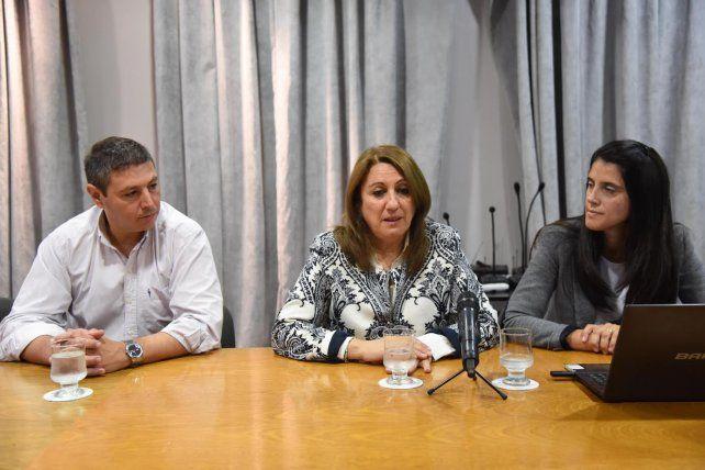 La intendenta Mónica Fein presidió el acto de lanzamiento del nuevo plan de higiene para Rosario.