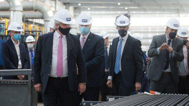 Expectativa. El presidente recorrió una empresa metalúrgica en La Pampa