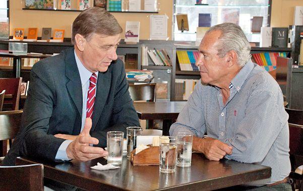 Café para dos. Binner y Barletta se ilusionan con replicar a nivel nacional el acuerdo que tienen en Santa Fe.