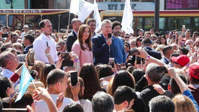 Metrobus. Macri inauguró ayer junto a Vidal una estación.