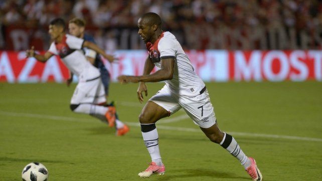 Vuelve. El portugués Luis Leal superó una lesión muscular y está en condiciones de regresar ante Tigre.