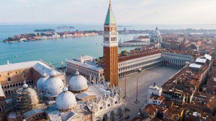 El 25 de marzo del año 421, hace exactamente 1.600 años, se colocó la primera piedra de lo que sería Venecia, según cuenta la leyenda.