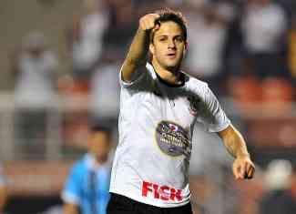 Corinthians aceptó transferir al delantero argentino Juan Manuel Martínez