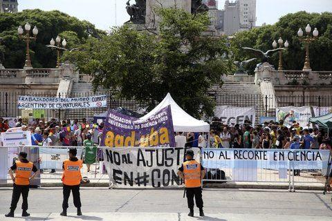 críticas. Mientras Macri pronunciaba su discurso ante la Asamblea
