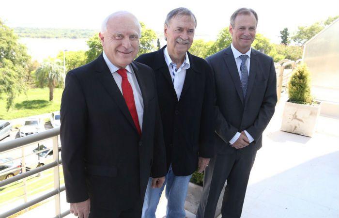 El gobernador Lifschitz junto a sus pares de las provincias de Córdoba