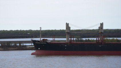 Las entidades industriales y agroexportadoras quieren precisiones sobre la navegabilidad del río Paraná.