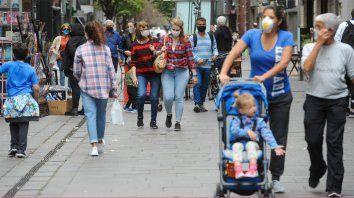 En la ciudad bajó la positividad en los testeos pero se mantiene altísima la tasa de incidencia, planteó la subsecretaria de Salud Pública, Silvia Marmiroli.