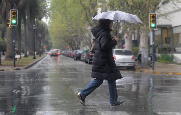 El Servicio Meteorológico anuncia que lloverá hasta el viernes al mediodía.