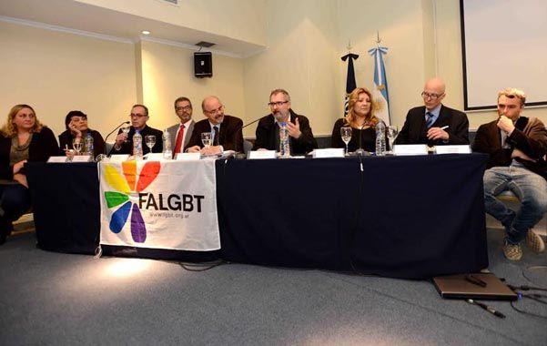 El informe se realizó en todo el país por la Federación LGBT para la Organización Internacional del Trabajo (OIT).