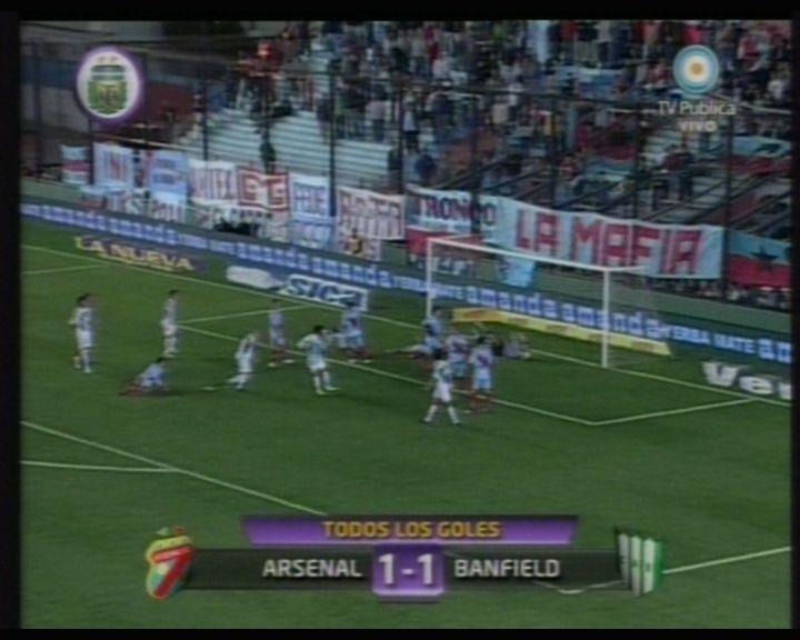 Arsenal evitó que el Taladro se transforme en puntero