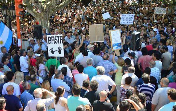 Unas cinco mil personas se congregaron ayer en San Martín e Irigoyen