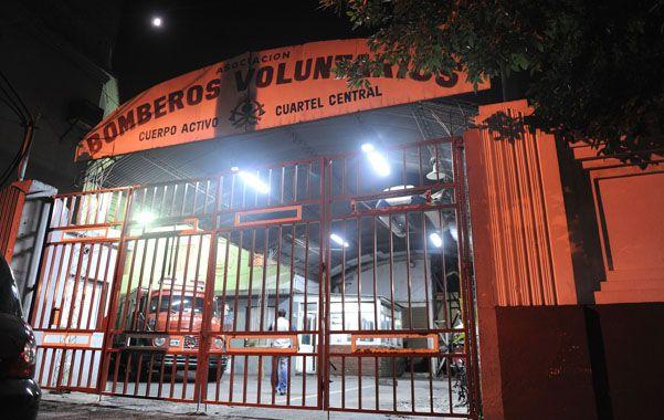 Los Bomberos Voluntarios funcionan en un sector de los galpones que la UR II tiene en Ovidio Lagos y Rioja.