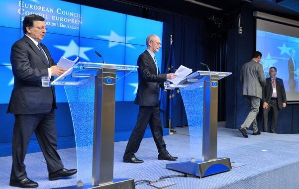 Anuncio. José Durao Barroso y Herman Van Rompuy (derecha) dieron a conocer ayer la carta de intención bilateral.