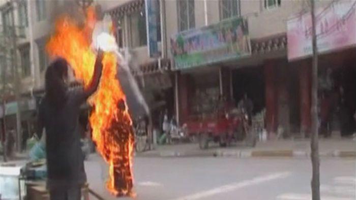 Una monja budista se prendió fuego a lo bonzo en defensa del Tibet