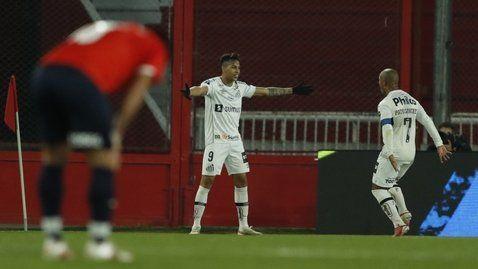 Kaio Jorge anotó para Santos.