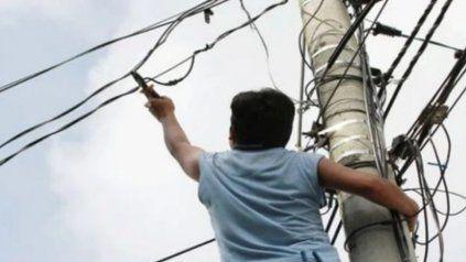 El vandalismo y el robo de cables causa un grave perjucio en la vida cotidiana de los rosarinos.