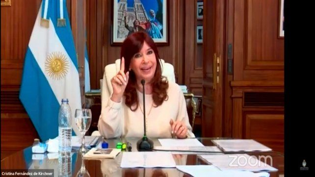 Cristina expuso ante la Cámara Federal de Casación penal por la causa dólar futuro.