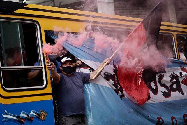 La Caravana de la Militancia recorrió el microcentro rosarino en apoyo al gobierno nacional