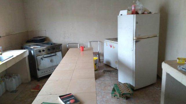 Las instalaciones del centro comunitario qom de Travesía y Juan José Paso fue vandalizado y robado esta madrugada.