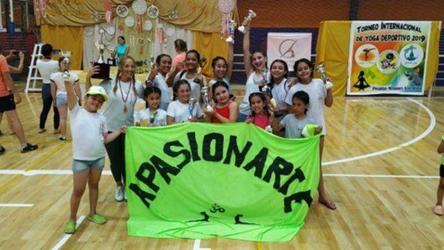 De Cristalería. Las chicas de la escuela Apasionarte se destacaron en Posadas.