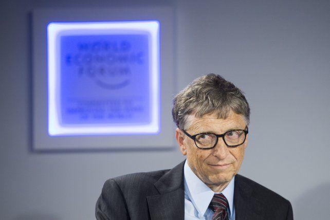 Bill Gates lanzó una severa advertencia sobre los peligros de un desastre ambiental y el bioterrorismo.