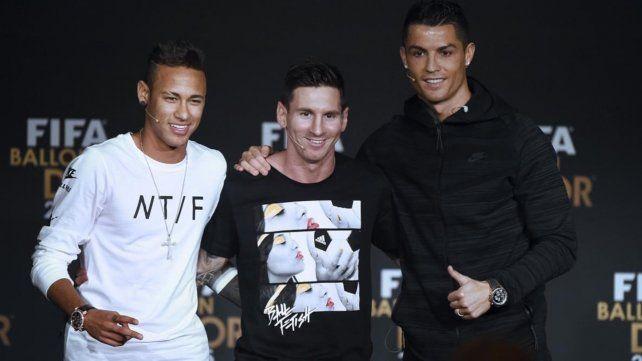 Messi encabeza el podio de los futbolistas mejores pagados de 2020 de la revista Forbes por delante de Ronaldo y Neymar.