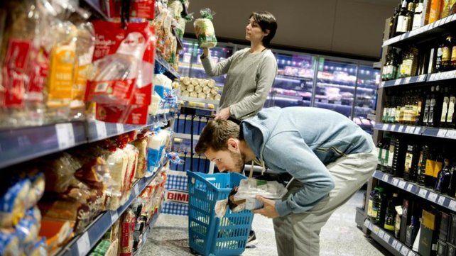 La inflación viene golpeando desde hace varios meses las góndolas de los súper rosarinos.
