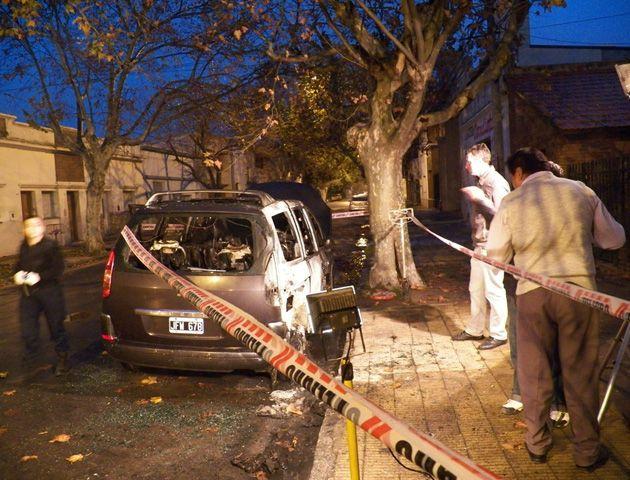 Las amenazas se cumplieron con la quema del vehículo del intendente de Santa Fe.