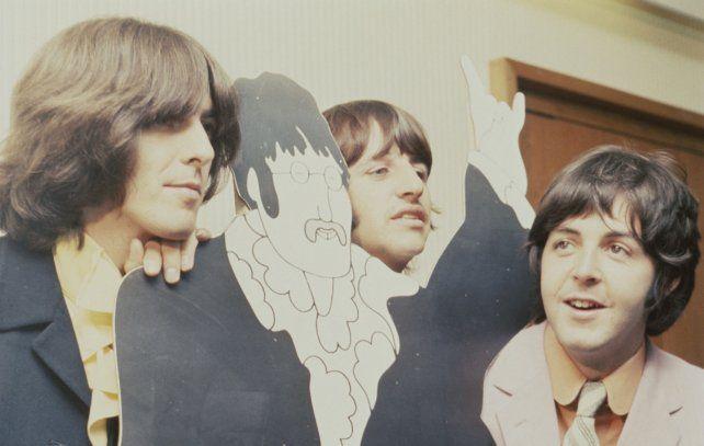 Los Beatles viajaron junto a la actriz Mia Farrow a la que el gurú habría querido abusar sexualmente.