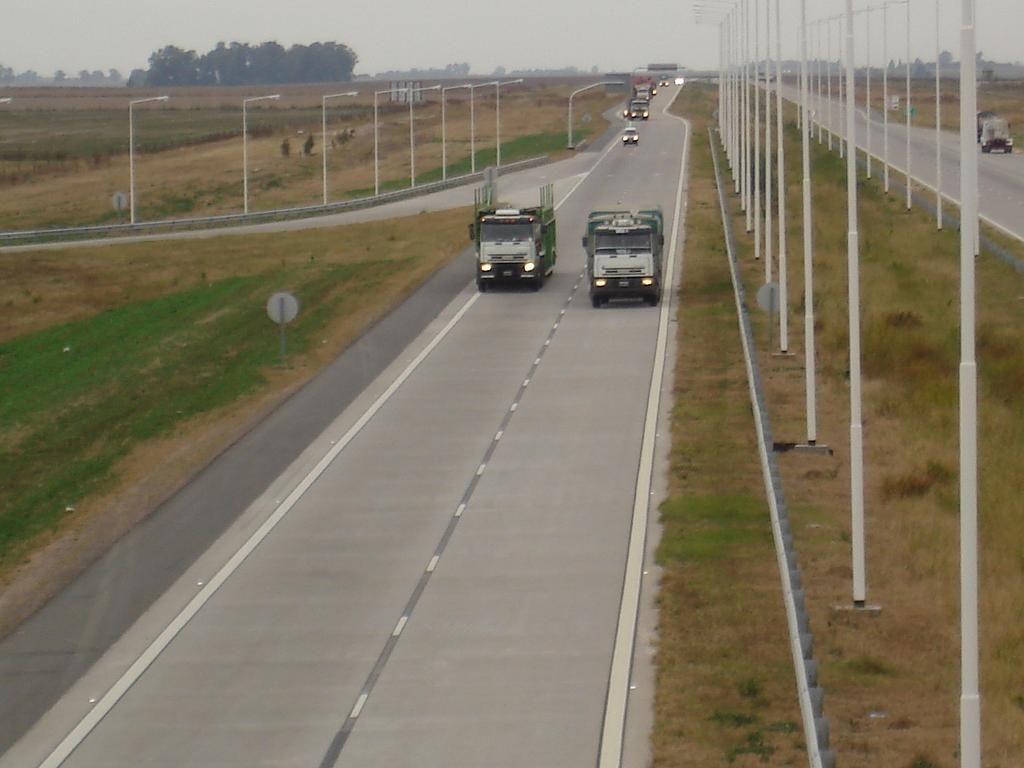La salida a la autopista a Córdoba fue escenario de otro asalto. (Foto de archivo)
