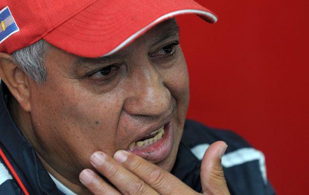 En la cuerda floja. Américo Gallego tiene como límite el partido ante Unión.