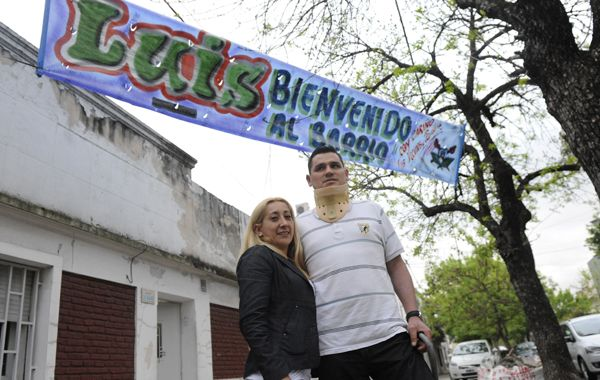 El cabo Luis Ojeda y su esposa Jaqueline ayer