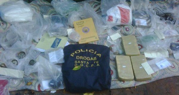 La policía allanó una vivienda y secuestró más de tres kilos de cocaína en Rosario