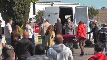 La comunidad de Gödeken  le dio el último adiós a su jefe comunal, víctima de coronavirus